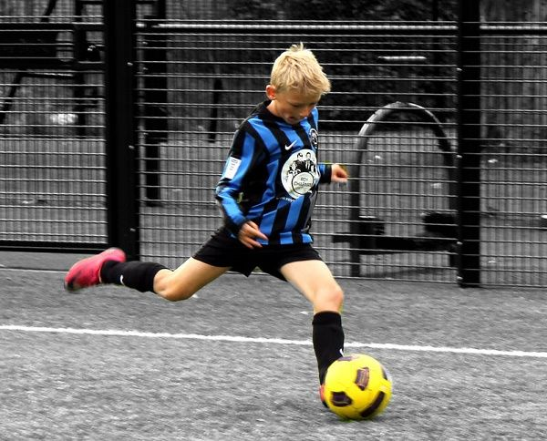 Детские футбольные бутсы выбираем