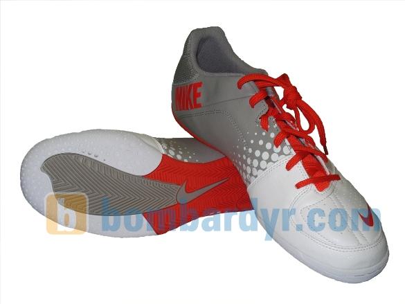 Nike5 Elastico - футзальные бутсы Nike разработанные при участии.